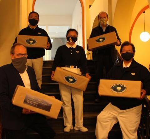 Spende von 2.500 Masken für Papenburger Alten- und Pflegeheime - Foto: Stadt Papenburg