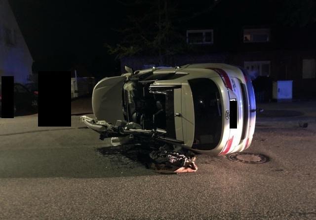 Nordhorn - Schwerer Verkehrsunfall auf dem Gildehauser Weg - Foto: Neesen