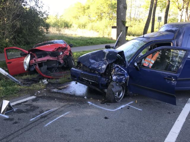 Feuerwehr Kluse unterstützt bei Unfallaufnahme nach schwerem Verkehrsunfall in Kluse. Foto: SG Dörpen / Feuerwehr