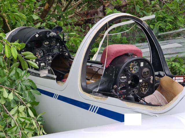 Lohne / Wietmarschen - Langstreckensegelflugzeug stürz bei Landeanflug in Wald - Foto: T. A.