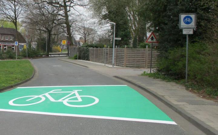 Vier weitere Fahrradstraßen wie diese am Ems-Vechte-Kanal richtet die Stadt Nordhorn ein. Foto: Stadt Nordhorn