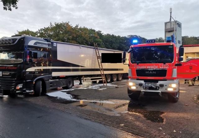 Brennender Lkw fährt zur Feuerwehr in Meppen - Foto: NordNews.de