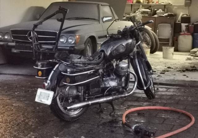 Geeste - Motorrad brennt in Garage - Foto: NordNews.de