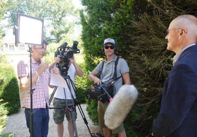 Schloss Clemenswerth im NDR Fernsehen - NDR-Quizshow mit Jörg Pilawa - Foto: Emslandmuseum . Schloss Clemenswerth