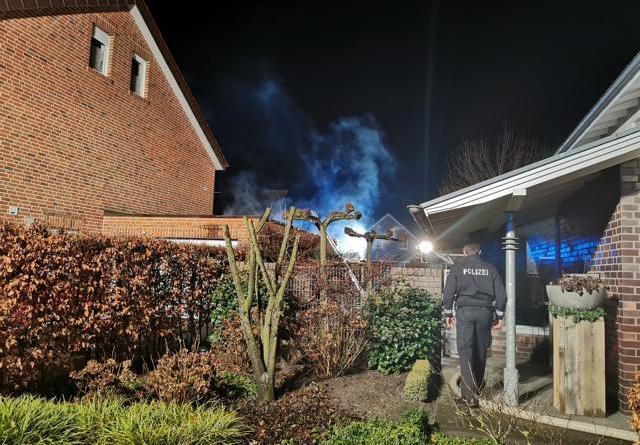 Emsbüren - Feuerwehr verhindert Ausbreitung eines Brandes - Foto: NordNews.de