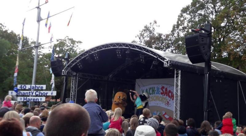 Bei den letzten Pünte-Tagen im Jahr 2018 begeisterte die Maus mit ihrem Showprogramm zahlreiche ZuschauerInnen, vor allem die Jüngeren unter ihnen. Foto Stadt Haren (Ems).