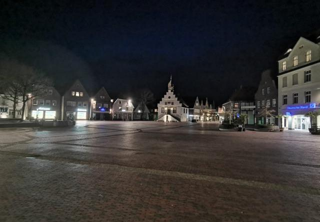 Lingen Marktplatz altes Rathaus Lingen Foto: NordNews