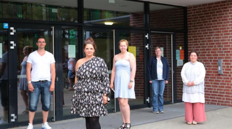 (von links) Tim Achenbach, Sandra Pielage, Ellen Doeden, Gisa Müller-Richert und Sevim Sancak bilden den neuen Stadtelternrat. Foto: Stadt Papenburg