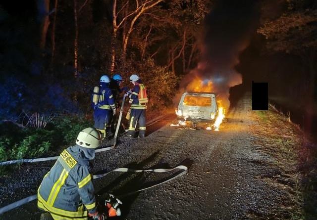 Aktuell: Geeste/Dalum - Fahrzeugbrand in der Straße An der Moorbeeke