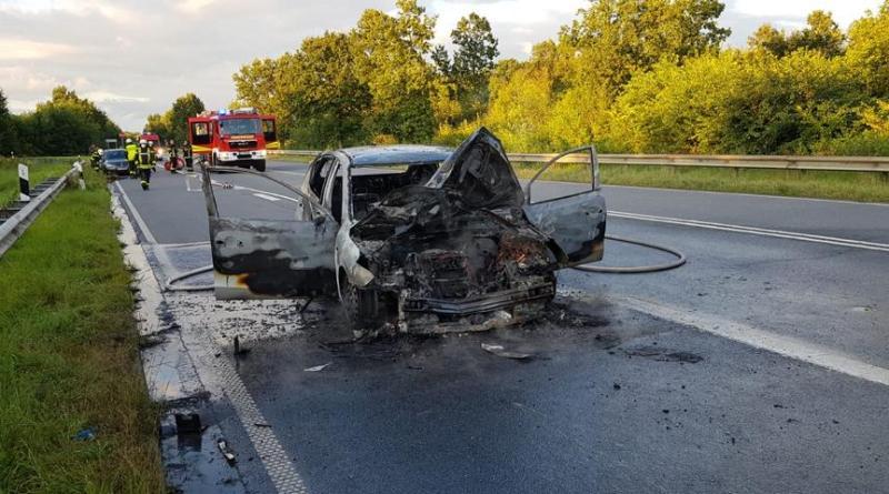Lingen - Auto auf B70 ausgebrannt - 28-jährige Frau aus Wietmarschen leicht verletzt - Foto: NN