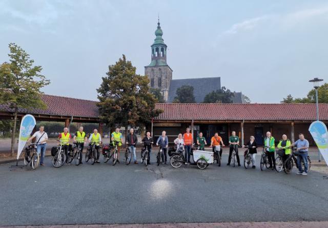 """Nordhorner Stadtradeln gestartet - Bürgermeister Berling ganztägig mit """"offener Bürgermeistersprechstunde"""" - Foto: Stadt Nordhorn"""