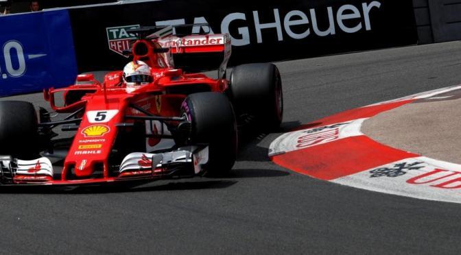 Vettel in doppietta rossa, allunga sul passo lungo altrui