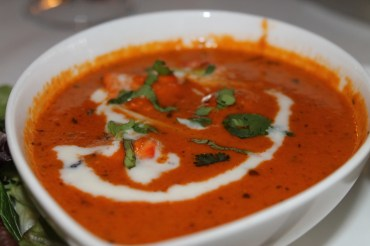 MURGH MAKHNI also known as butter chicken: Tender pieces of chicken tikka cooked in creamy tomato sauce.