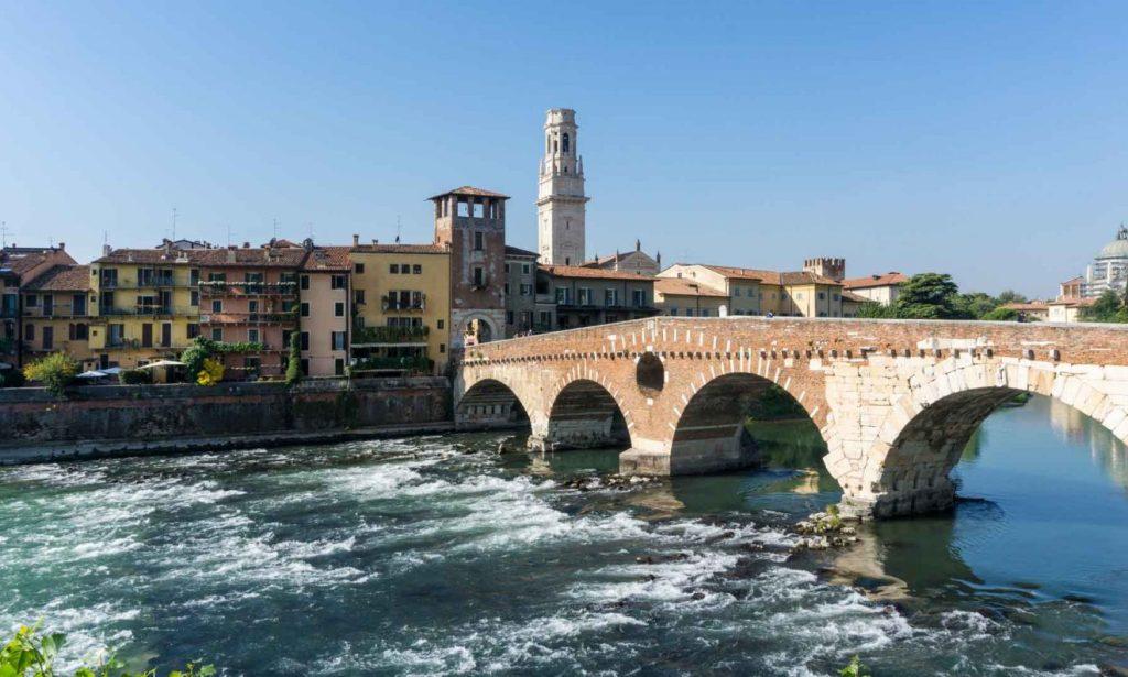 Puente De Piedra 1320x793