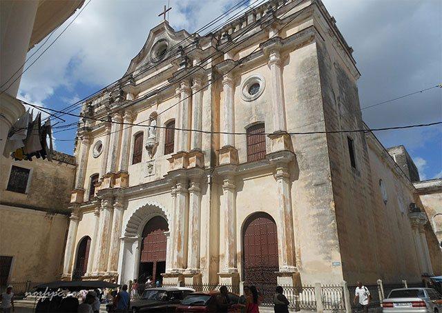 La Iglesia de Nuestra Señora de la Merced en la Habana Vieja, Cuba