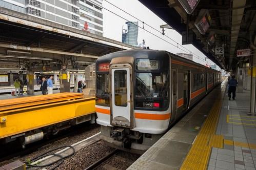 名古屋駅の快速「みえ」乗り場は何番線ホーム?