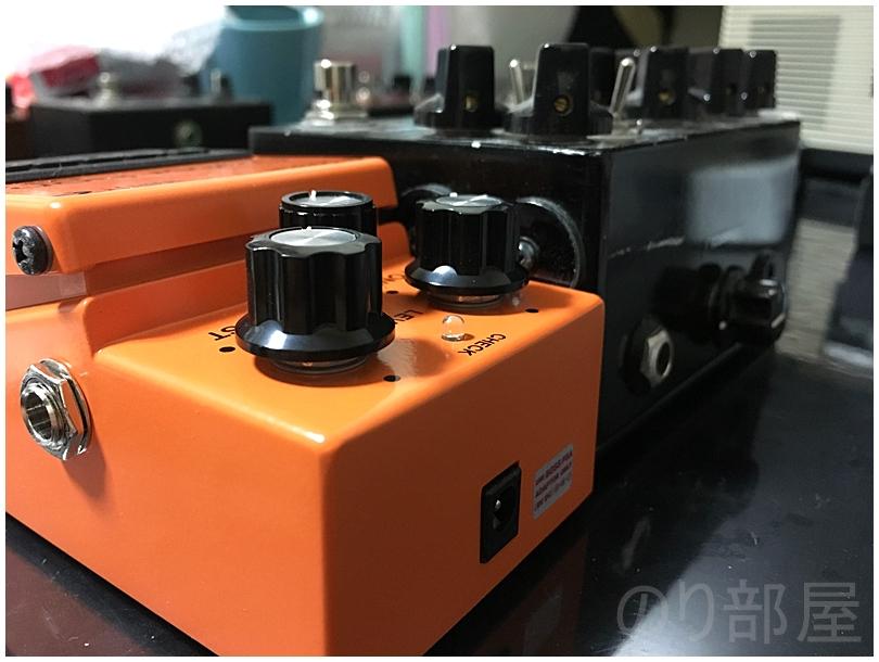 高さのあるエフェクターも収納可能!100均のフタが立つタッパー「ロックパックワイド M 1.7L」にコンパクトエフェクターを入れる 【徹底紹介】エフェクターを収納するのに最適な方法!キレイに片づけホコリも被らないで取り出しやすいしまい方。ギター・ベースユーザーにおススメです!【エフェクタータッパー】