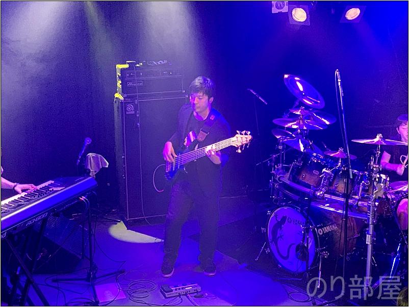 山根幸洋さんのSANOVAでの演奏を聴いて思ったこと SANOVAを支えるベース 山根幸洋さんにインタビューをさせていただきました! SANOVA好き・コピーをする人は必見です!   #山根幸洋 #SANOVA #ベース