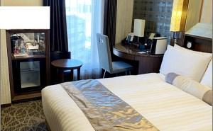 リッチモンドホテルの部屋・客室のベッド&全体はこのようになってます。 リッチモンドホテルプレミア東京押上の部屋がキレイでオススメ!スカイツリーが近くスーパーも近く快適!【評価・口コミ】