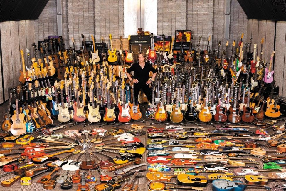 ギターコレクターはギターが下手!?  ギターコレクターはギターが上手くなってコレクターになるのと下手な時にコレクターになるのでは違う