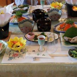 旅館金山の料理の一例