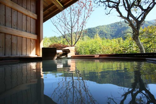 信州乗鞍高原温泉緑山荘 露天風呂