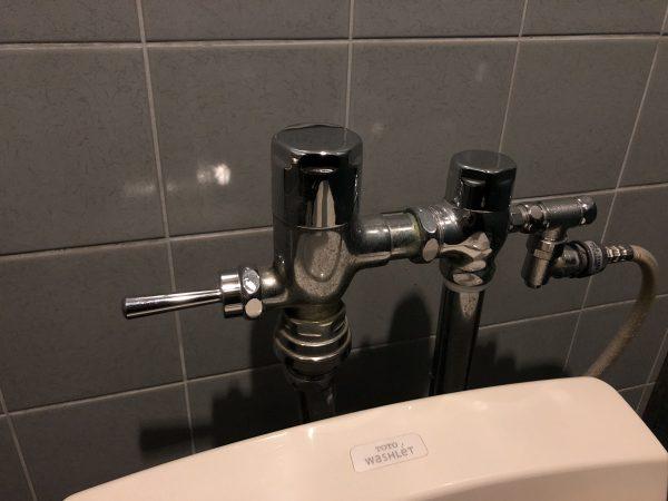 トイレのバー