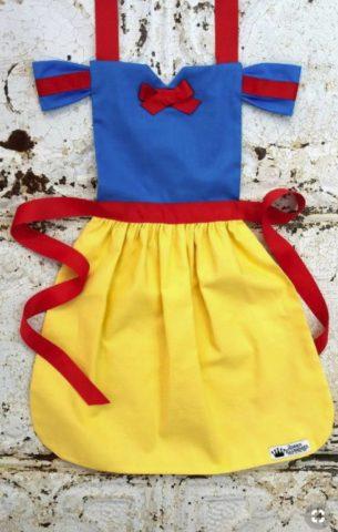 ハロウィン 子供 大人 仮装 簡単 安い 100均 エプロン 白雪姫 手作り 女の子 男の子
