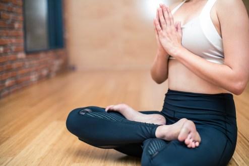 ヨガ、続ける、コツ 瞑想 動画 おすすめ YouTube DVD