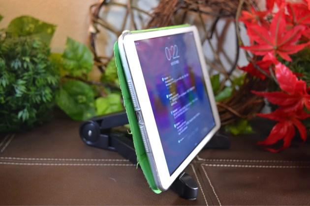 iPadとiPad mini用の折りたたみスタンドセット2