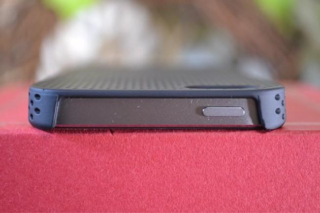 IRUALパンチングデザインiPhone5s用ラバーコーティングケース4