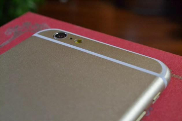 このiPhone6の白のラインは何?