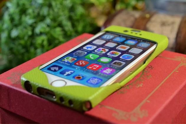 緑のiPhoneレザーケース3