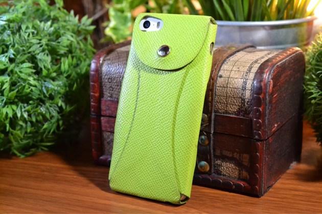 緑のiPhoneレザーケース2