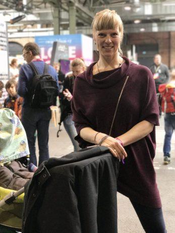 Zufriedene Mama auf der #rp17 – so soll eine Konferenz mit Kindern sein!