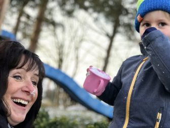 Andrea und Melin im Schnee