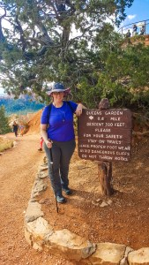 Starting the hike at Sunrise Point along the Rim Trail at Bryce Canyon National Park