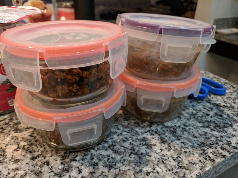 Reusable food containers help reduce plastic waste