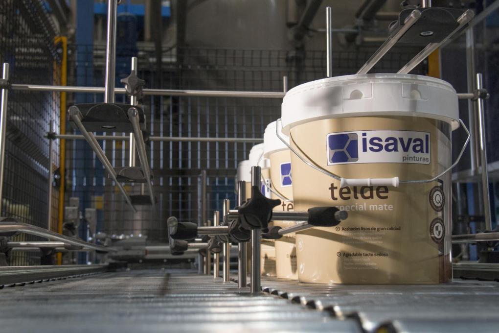 Production de peinture dans les usines Isaval