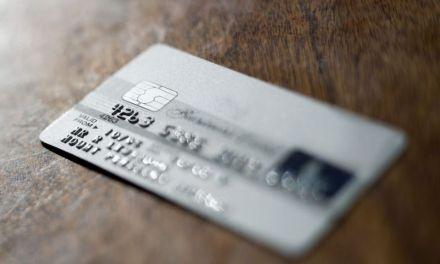 Carte bancaire : cette option bling-bling qui vous coûte très cher