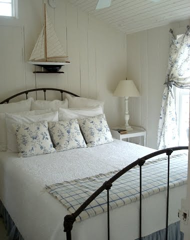 NGS - Cottage-white-bedroom