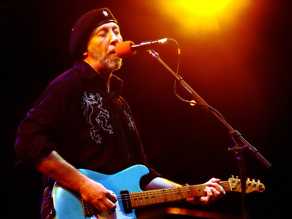 Photo of Richard Thompson by Anthony Pepitone