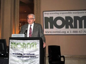 Lester Grinspoon speaks at a NORML Conference