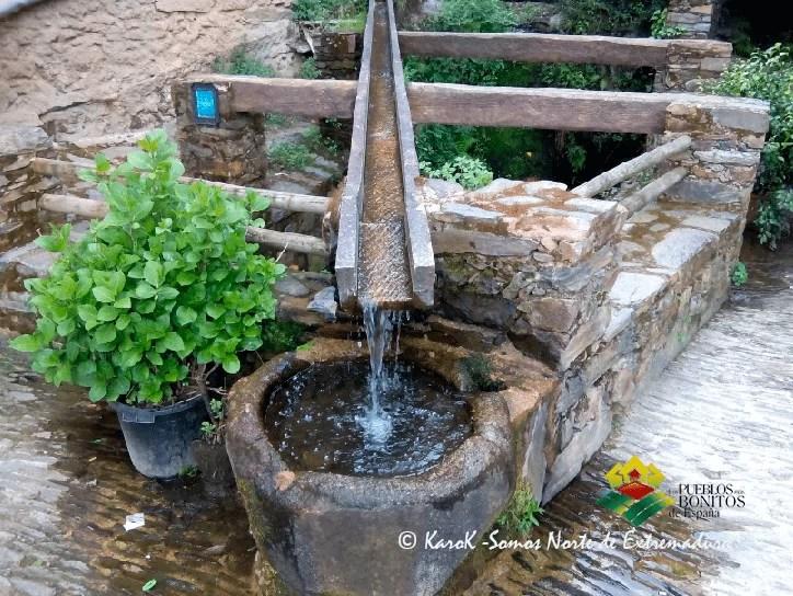 Fuente en Robledillo de Gata (Cáceres)