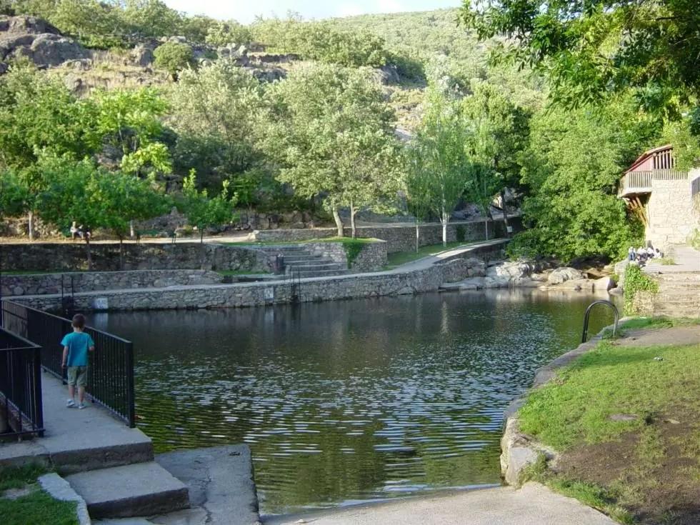 Piscina natural Casas del Monte, en Valle del Ambroz