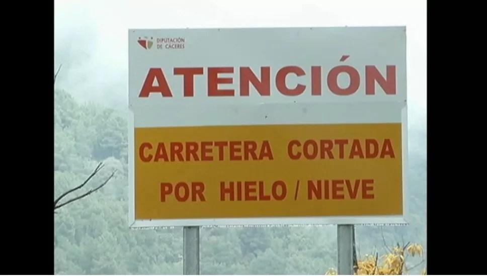 La carretera de Hervás al puerto de Honduras se cierra por riesgo de nevadas