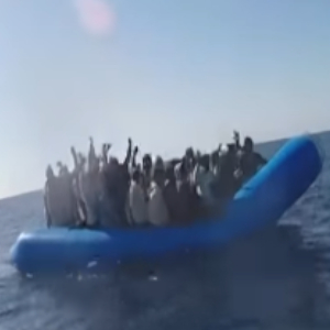 Immigration: 160 migrants stranded in the Mediterranean for two weeks.