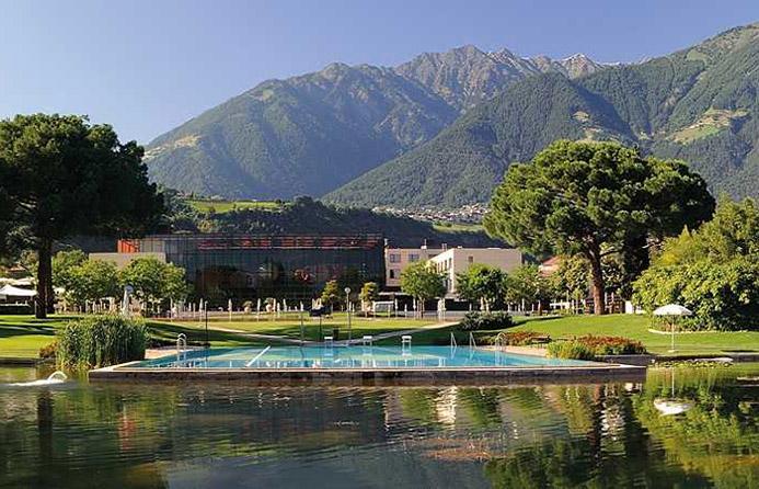 минеральные источники в горах Италии Термы Мерано