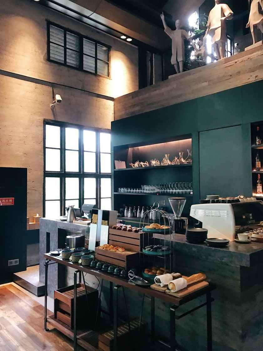 clean coffee shop