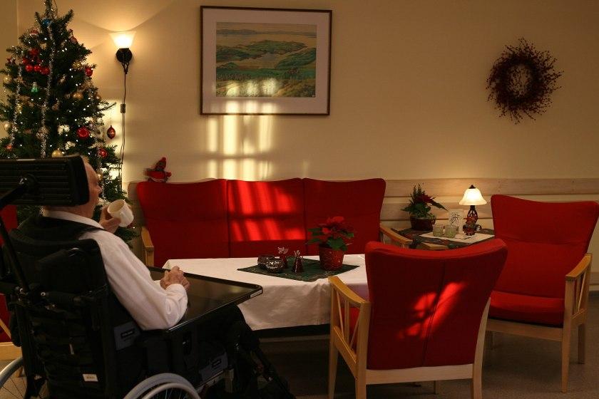 2048px-Nursing_home